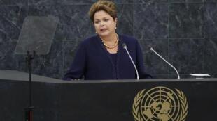 Tal como lo marca la tradición, Rousseff fue la primera mandataria en  dirigirse al plenario luego de los discursos del secretario general de la ONU,  Ban Ki-moon, y el presidente de la Asamblea General, John Ashe (Antigua y  Barbuda).
