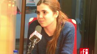 A cantora, compositora e violoncelista gaúcha Dominique Dom La Nena