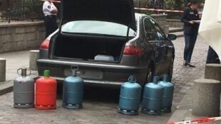 Carro foi encontrado com botijões de gás