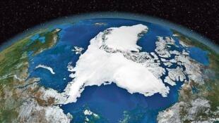 Bắc Cực và Groenland, ảnh chụp từ vệ tinh của tập đoàn NASA Mỹ.