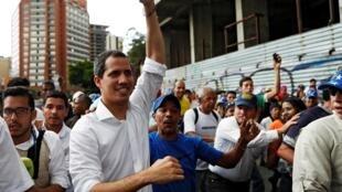 Le chef de l'opposition vénézuélienne Juan Guaido, reconnu par de nombreuses nations comme son dirigeant légitime par intérim, dans la manifestation à Caracas, ce samedi 16 novembre 2019.