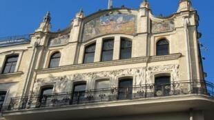 """Убранство фасада гостиницы """"Метрополь"""" в стиле модерн"""