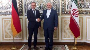Ngoại trưởng Iran Mohammad Javad Zarif (P) tiếp đồng nhiệm Đức Heiko Maas tại Teheran ngày 10/06/2019.