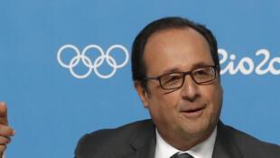 Le président français François Hollande lors d'une conférence de presse sur la candidature de Paris aux Jeux olympiques en 2024, le 5 août 2016.