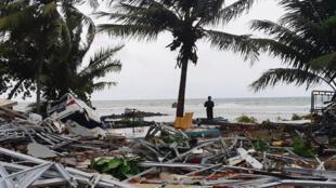 Bãi biển Carita, vùng Baten - Indonesia sau trận sóng thần đêm 22/12/2018.