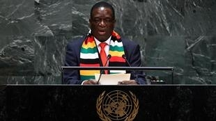 Le président du Zimbabwe, Emmerson Mnangagwa, prend la parole lors de la 74e session de l'Assemblée générale au siège de l'ONU le 25 septembre 2019 à New York.