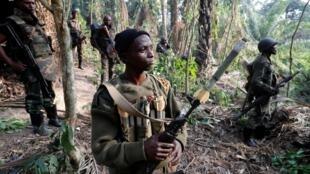 Jeshi la serikali ya DRCongo (FARDC) likiwa katika operesheni maalum katika ngome ya waasi wa ADF, pembeni ya mji wa Kimbau, jimboni Kivu Kaskazini,mashariki mwa DR Congo, Feb 19, 2018. Reuters