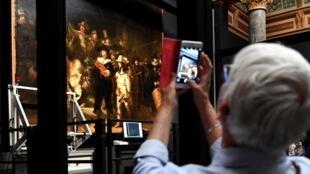 Au Rijksmuseum d'Amsterdam, il n'est pas question de supprimer l'appellation «Siècle d'or» mais le musée a déjà banni certains termes de ses descriptions d'oeuvres.