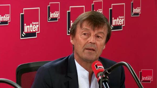 Nicolas Hulot, ministro da Transição Ecológica, anunciou nesta terça-feira (28) sua demissão em uma entrevista no rádio, sem prevenir o presidente nem o primeiro-ministro
