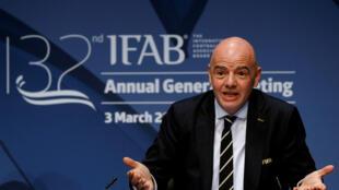 Chủ tịch FIFA Gianni Infantino tại cuộc họp báo sau phiên họp thường niên lần thứ 132 của IFAB tại Thụy Sĩ ngày 03/03/2018.