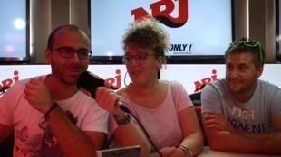 Солисты фолк-группы Trois cafés gourmands
