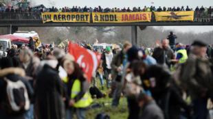 De nombreuses personnes se sont mobilisées, le samedi 27 février contre le projet d'aéroport de Notre-Dame-des-Landes.
