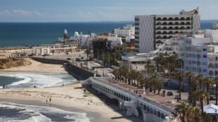 En Tunisie, les touristes font défaut dans les grands complexes hôteliers comme ici à Monastir.