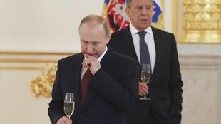 Владимир Путин и Сергей Лавров в Кремле, 11 апреля 2018.