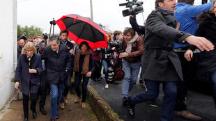 François Fillon is pelted with eggs and heckled in Combo-les-Bainson Saturday