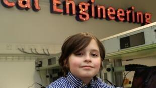 比利时的一名9岁天才男孩劳伦·西蒙斯 (Laurent Simons) 将大学毕业  还想读博士