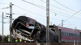 Le train à grande vitesse reliant Milan à Salerne a déraillé ce  février près de Lodi, faisant 2 morts et une trentaine de blessés.