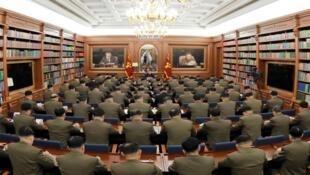 Lãnh đạo Bắc Triều Tiên Kim Jong Un phát biểu tại cuộc họp mở rộng của Quân Ủy Trung Ương đảng Lao Động Triều Tiên. Ảnh không đề ngày được hãng tin Bắc Triều Tiên KCNA công bố ngày 22/12/2019.