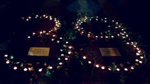 Người dân Hà Nội thắp nến tưởng niệm 39 nạn nhân xấu số trong chuyến xe tải đông lạnh gần Luân Đôn, Nhà thờ lớn Hà Nội, ngày 27/10/2019.