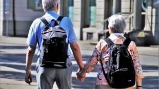 Não, a sexualidade não se aposenta com a maturidade. Tabu e intimidade ainda estão muito ligados quando se fala de velhice, diz especialista.