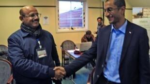 Des belligérants yéménites ont échangé une poignée de main devant des journalistes en marge de consultations de paix en Suède.