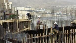Construção de novas colônias no bairro de Ramat Shlomo, anexado ao oeste de Jerusalém; 30 de outubro de 2013.