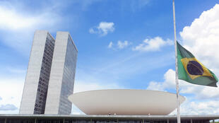 Sem estabilidade política e econômica, imagem do Brasil despenca no ranking do soft power.