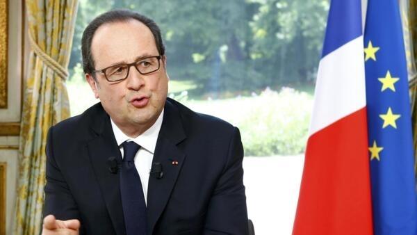 O presidente francês, François Hollande, durante entrevista às emissoras TF1 e France 2 nesta quinta-feira (14).
