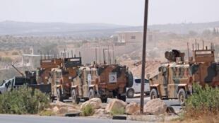 ٢٠۱کاروان نظامی ترکیه در نزدیکی شهر معار هیتات در استان ادلب، شمال سوریه. ۱٢ سپتامبر ٩