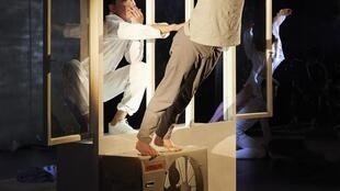 Спектакль «Outside» Кирилла Серебренникова на Авиньонском фестивале в июле 2019 г.