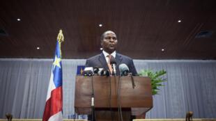 Le président centrafricain Faustin-Archange Touadéra lors d'un conférence de presse, le 11 avril 2018 à Bangui.