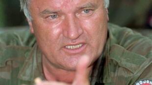 ឧត្តមសេនីយ Ratko Mladic អតីតប្រមុខយោធាស៊ែរប៊ី