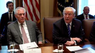 Ngoại trưởng Mỹ Rex Tillerson và tổng thống Donald Trump tại Nhà Trắng ngày 20/11/2017.