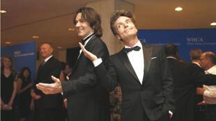 Ca sĩ Richard Marx (trái) và đồng nghiệp Rick Springfield nhân một buổi tiệc tại Washington D.C, 03 tháng 05 năm 2014.