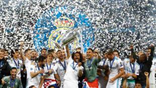 Lokacin da 'yan wasan Real Madrid ke murnar lashe kofin zakarun Turai a birnin Kiev