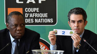 Le Camerounais Issa Hayatou et le Marocain Hicham El Amrani.