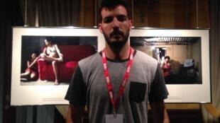 Felipe Dana apresenta suas fotos em Perpignan.