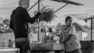 Alfonso Cuarón et Yalitza Aparicio, qui interprète Cléo dans le film «Roma» du réalisateur mexicain.