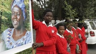 Students wait to pay their last respects to the late Nobel peace laureate Wangari Maathai at Freedom Corner in Nairobi.