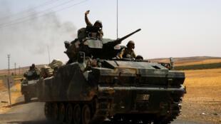 土耳其坦克在敘利亞邊境