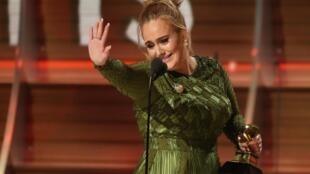 Nữ ca sĩ Adele nhân lễ trao giải Grammy Awards lần thứ 59, tại Los Angeles, California, Hoa Kỳ, 12/02/2017.