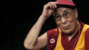 Далай-лама на встрече с молодежью во Дворце музыки и съездов в Страсбурге, 15 сентября 2016 г.