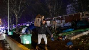 1月28日巴黎奧貝維萊門難民營
