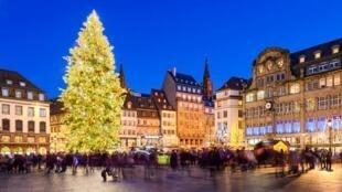 بازار نوئل در شهر استراسبورگ یکی از معروفترین بازارهای اروپایی است