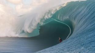 En Teahupoo, se dan algunas de las olas más espectaculares, potentes y peligrosas del mundo.