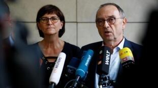 Saskia Esken et Norbert Walter-Borjans, ici le 5 décembre 2019 à Berlin, sont les nouveaux leaders du SPD.