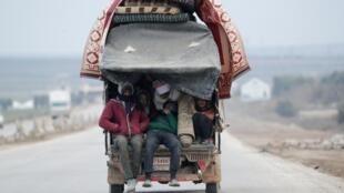 En Syrie, 900 000 personnes ont été déplacées depuis le 1er décembre, en vaste majorité des femmes et des enfants, dénonce l'ONU.