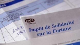 Carga tributária elevada para ricos franceses provocou fuga de milionários.