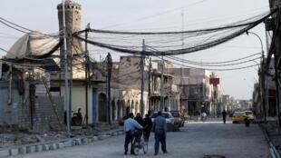 Dans la rue où le chef du groupe État islamique, Abou Bakr al-Baghdadi, a déclaré son califat en 2014, dans la vieille ville de Mossoul, en Irak, le 27 octobre 2019.