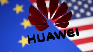 Ảnh minh họa: Thương hiệu Hoa Vi (Huawei) trên nền cờ Liên Hiệp Châu Âu và Hoa Kỳ